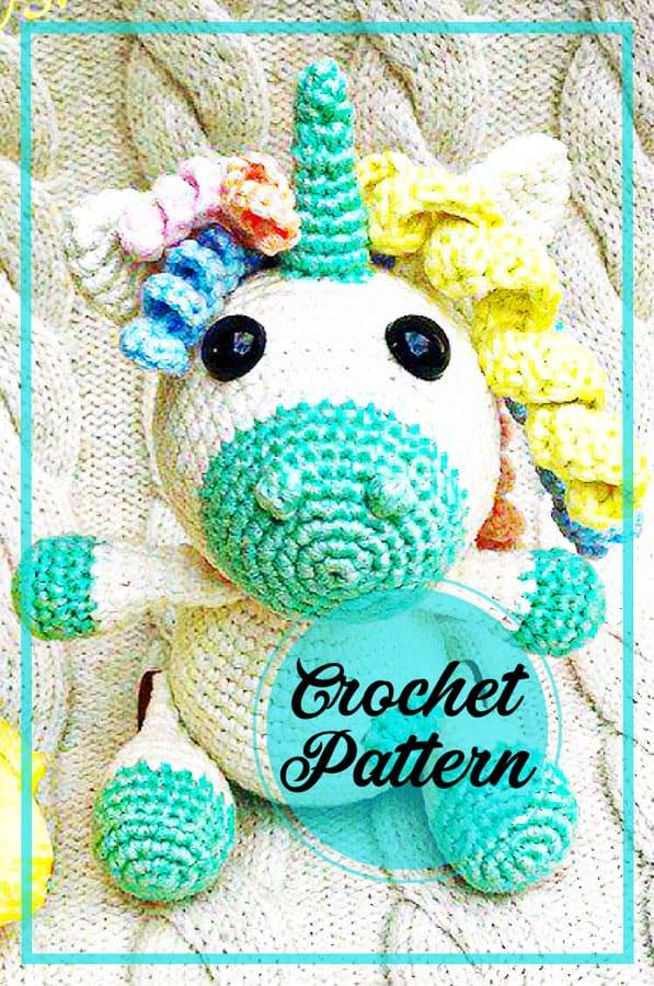 Sleeping unicorn pony crochet pattern - Amigurumi Today | 900x597