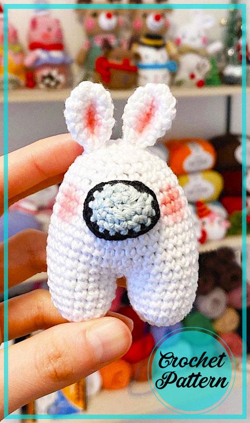 White Amung Us Amigurumi crochet pattern