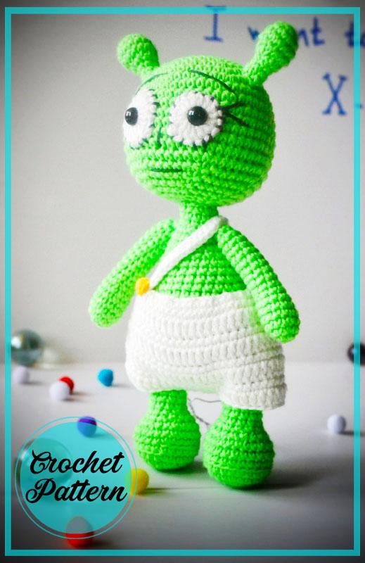 Alien Savely Amigurumi Crochet Pattern