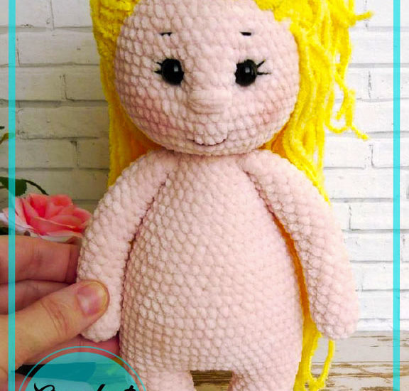 Blonde Easy Amigurumi doll crochet free pattern