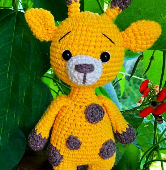 Cute Yellow Giraffe Amigurumi Crochet Pattern