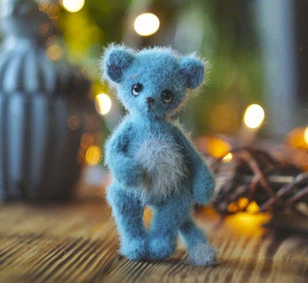 Sleepy Blue Mouse Amigurumi Crochet Pattern